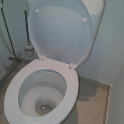 Depannage plombier toilette