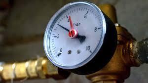 Pression eau chaude faible plombier uccle